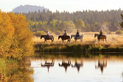 sunriver stables, sunriver resort, deschutes river, horseback riding, trial ride, central oregon