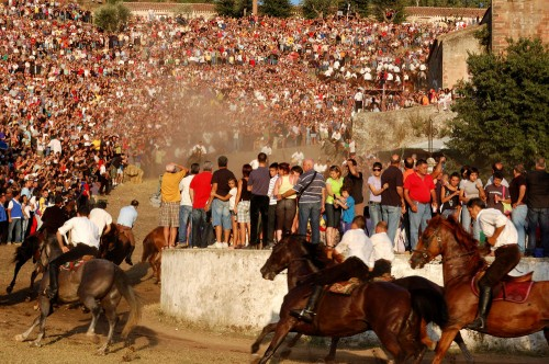 Come to S'Ardia of Sedilo where select Italians go on a horseback riding vacation