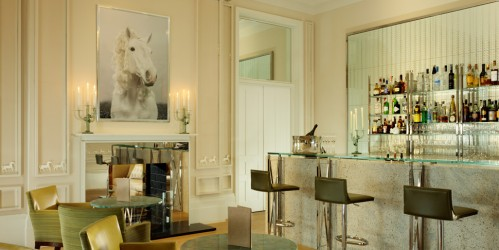 Have a drink at the Coworth Park Bar during your UK horseback riding vacation