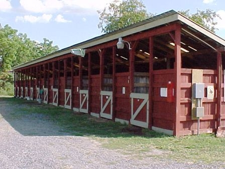 If you bring your horse with you to Gettysburg, Pennsylvania, these are the Artillery Ridge Campground stables.
