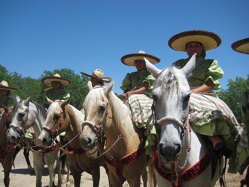 charreada, fiesta san antonio, el rosario, horses, cowgirls