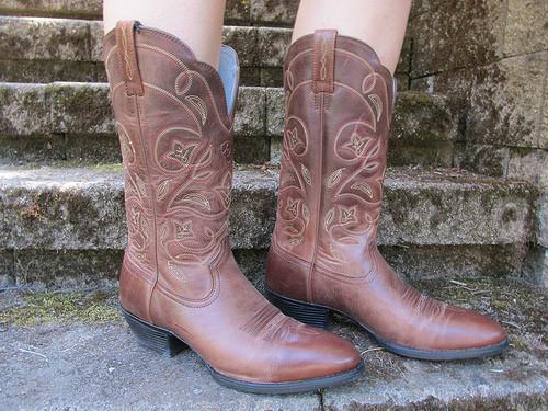 """""""Ariat"""" cowboy boots"""
